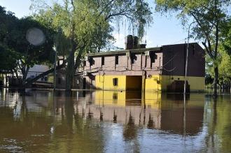 El Paraná descendió por debajo de la línea de evacuación en Chaco