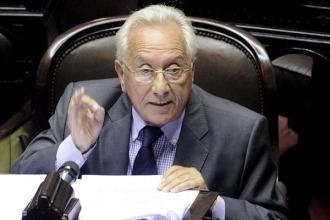 """""""El oficialismo intenta dividir a la oposición, pluma por pluma como a la gallina"""""""