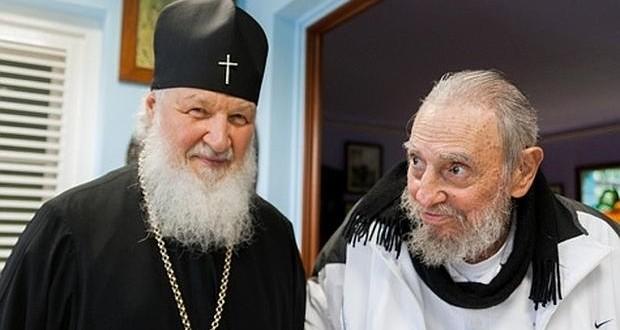 Fidel Castro reaparece en una reunión con el patriarca ruso Kiril