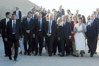 Hollande rindió homenaje a víctimas de la dictadura en el Parque de la Memoria