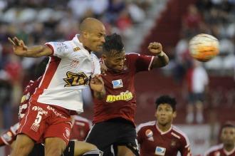 Huracán jugará ante Caracas con el regreso de su figura Wanchope Abila