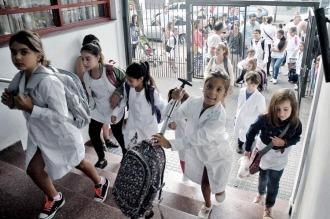 """Los docentes piden a la Nación y a la Provincia """"reactivar"""" las paritarias"""