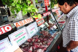 """Para el ministro Buryaile, """"el kilo de asado debería costar 90 pesos al público"""""""