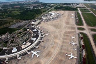 Un paro de trabajadores de aviación obligó a cancelar 100 vuelos en Brasil