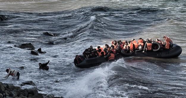 Otro naufragio en el mar Egeo, mueren 2 bebés y 7 adultos