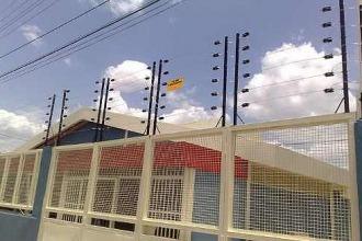 Presentan un proyecto para reglamentar el uso de cercos eléctricos en viviendas