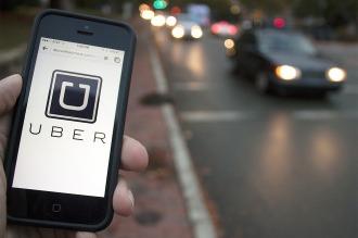 Mientras genera polémica en Buenos Aires, Uber empezó a funcionar en Madrid