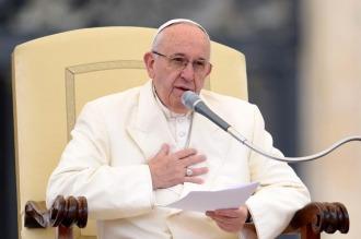 """El papa Francisco criticó """"las puertas y corazones cerrados"""" a los inmigrantes"""