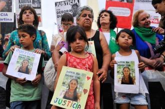 Emotivo acto por Lola Chomnalez y las dos turistas mendocinas asesinadas