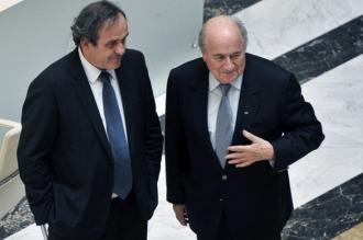 Escándalo Blatter-Platini: allanaron la Federación Francesa de Fútbol