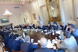 Macri encabeza una reunión del gabinete nacional en la Casa Rosada