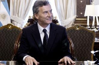 Macri recibe al titular de la OEA y encabeza un acto en el Regimiento de Granaderos