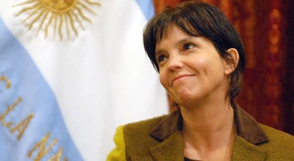 """Mercedes Marcó del Pont: """"Me hago cargo del cepo al dólar"""""""