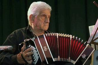 Murió en Alemania el bandoneonista Luis Stazo, fundador del Sexteto Mayor