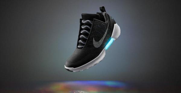 Nike venderá zapatillas que se atan solas