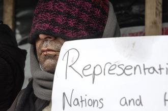 """Refugiados se cosieron la boca en la """"Jungla de Calais"""""""