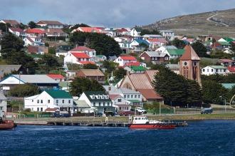 Un grupo de argentinos quedó varado en Malvinas, sin alojamiento ni respuestas