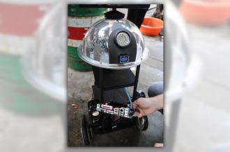 """Un robot que """"come la basura"""" y enseña a reciclar"""