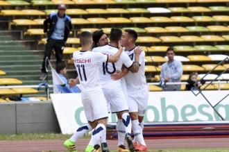 Vélez enfrenta a Quilmes en Liniers con el objetivo de acercarse a los punteros