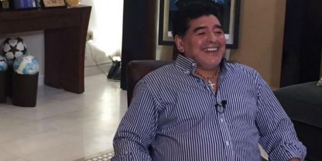 """Maradona: """"Aunque estén maldiciendo por haber votado a Macri, ahora hay que bancar"""""""