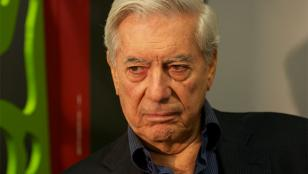 Mario Vargas Llosa aparece en el Panamá Papers