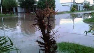 Hay 8 mil evacuados por inundaciones en cuatro provincias