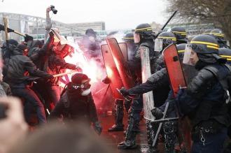 El gobierno está dispuesto a introducir cambios en la reforma laboral en Francia