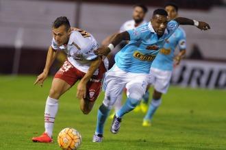 Huracán y Sporting Cristal no se dan tregua e igualan 2 a 2 en Parque de los Patricios