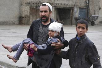 Llegan a 64 los muertos y a 347 los heridos a causa del ataque suicida en Kabul