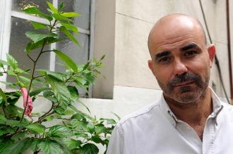 """Eduardo Sacheri obtuvo el Premio Alfaguara de Novela por """"La noche de la Usina"""""""