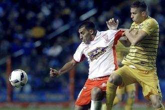 Con suplentes y pensando en la Copa, Boca apenas igualó con Huracán