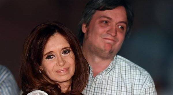 Cristina Kirchner y su hijo Máximo fueron imputados por cohecho