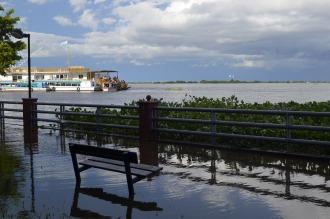 Formosa: el río Paraguay baja y se ubica a nivel, pero aún quedan 3000 evacuados