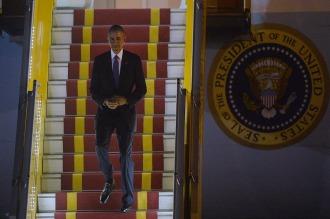 Obama llegó a Vietnam, primera escala de su histórica gira asiática