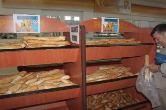 Panaderos bonaerenses firmarán hoy el acuerdo para vender pan a $26