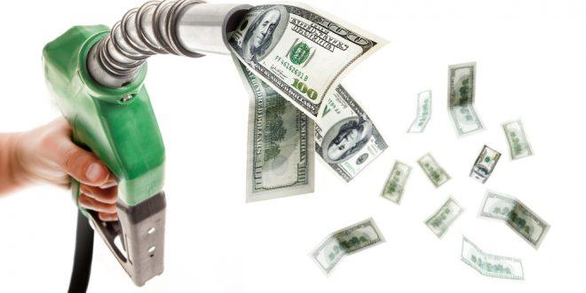 Los Argentinos cruzan a Paraguay y Uruguay para conseguir la nafta más barata