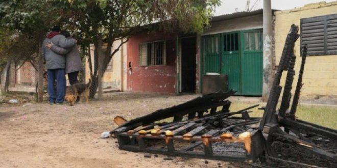 Asesinan a una travesti y la prenden fuego en su propia casa