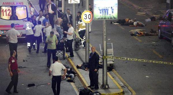 Atentado en el aeropuerto Atatürk en Estambul: al menos 28 muertos