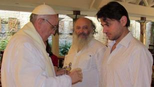 El Papa nombró a dirigente social argentino en oficina del Vaticano