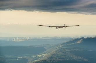 El avión solar llegó a Nueva York en su última etapa antes de lograr la vuelta al mundo