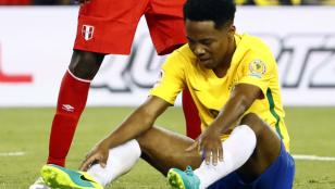 Perú ganó con gol con la mano y eliminó a Brasil de la copa
