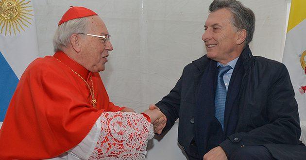 """Macri pidió """"terminar con la corrupción"""" ante enviado papal"""