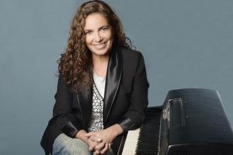Sandra Mihanovich, en clave jazzera, comienza a festejar 40 años con la canción