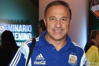 En medio de la crisis, la Selección tiene a los 18 para jugar en Río de Janeiro 2016