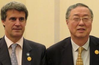 Prat Gay negocia líneas de financiación de China para la Argentina