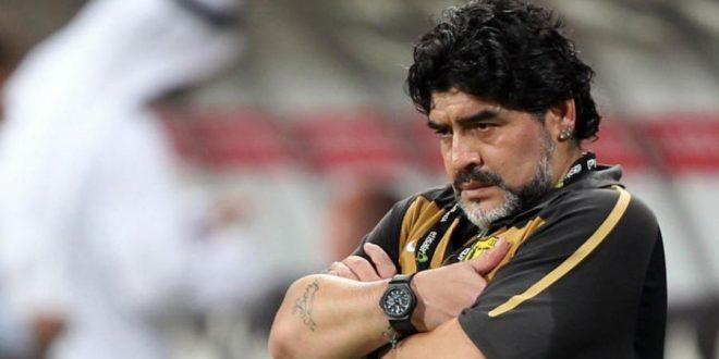 Maradona se ofreció a dirigir gratis la selección Argentina
