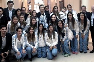 El Presidente recibió a Las Leonas, campeonas en el Champions Trophy