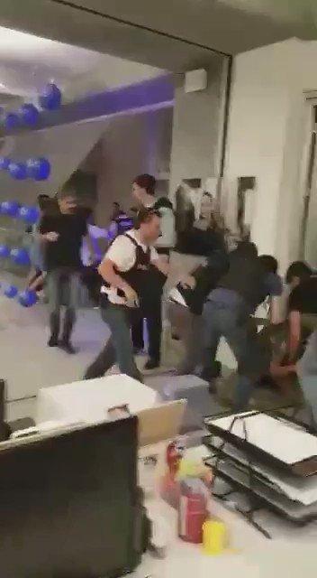 soldados expulsados y golpeados de la CNN