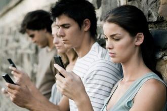 A qué se debe el prejuicio de que los jóvenes son apáticos y no se interesan por nada