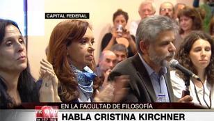Cristina Kirchner : La mano viene para bastones largos cuando hay ideas cortas
